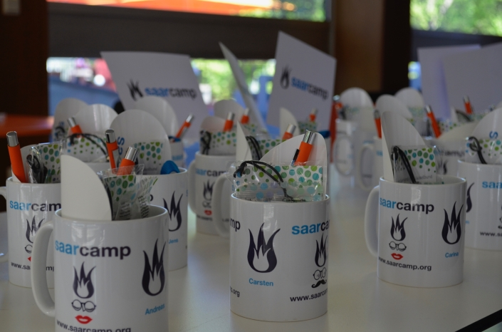 Am SaarCamp bekam jeder Teilnehmer (s)eine eigene Tasse, die EarlyBird-Bucher sogar eine personalisierte (Foto: nh)